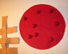 Copyright American Felt and Craft cherry pie step9 DIY tutorial