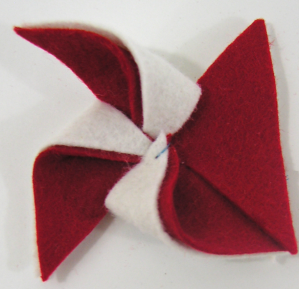 wool felt pinwheel summer craft tutorial step4