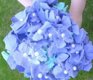 Brides Hydrangea bouquet made of felt flower template.
