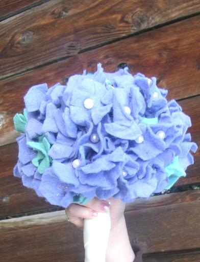 Lisa's Instructions for felt flower hydrangea flower bouquet.