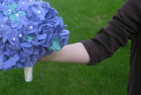 Tutorial instructions for how to make felt flower boquet