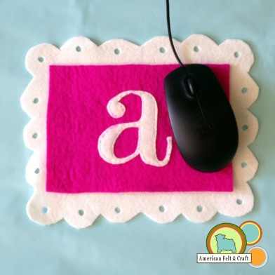 Felt Mouse pad tutorial with initals