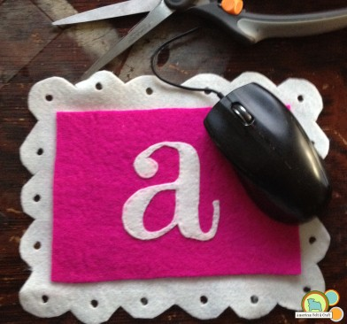 easy felt mouse pad tutorial