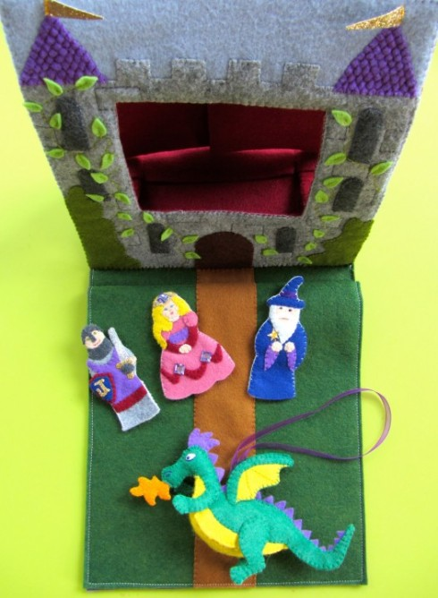 Finger Puppets and puppet theater DIY Copyright Imagine Our Life.