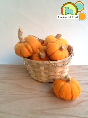 Felt Pumpkins tutorial