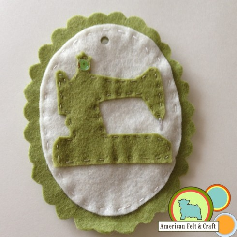 Felt sewing machine ornament pattern