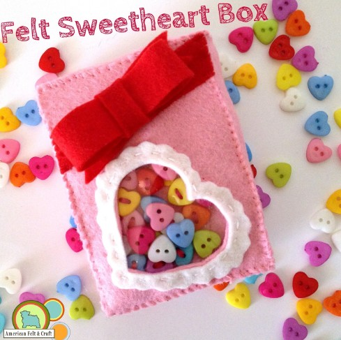 Felt and button sweetheart box