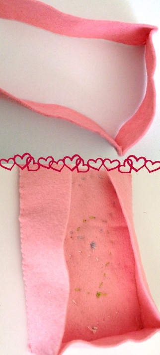 Felt V-day. Sew sides onto felt valentines day box
