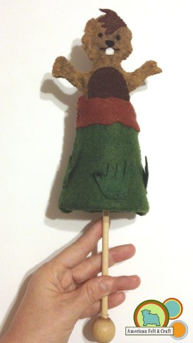 Peek a boo Bill - Felt Groundhog Puppet tutorial from American<br /><br /><br />Felt and Craft