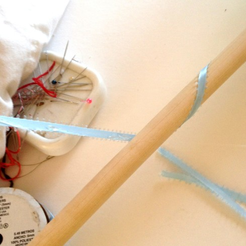 wrap dowel with ribbon