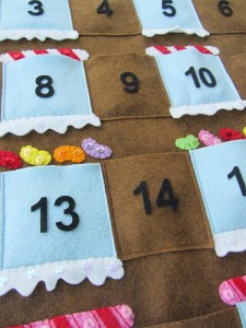 Felt Gingerbread house - Advent calendar tutorial