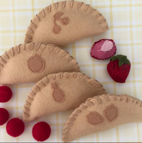 Felt hand pie tutorial and pattern easy felt food