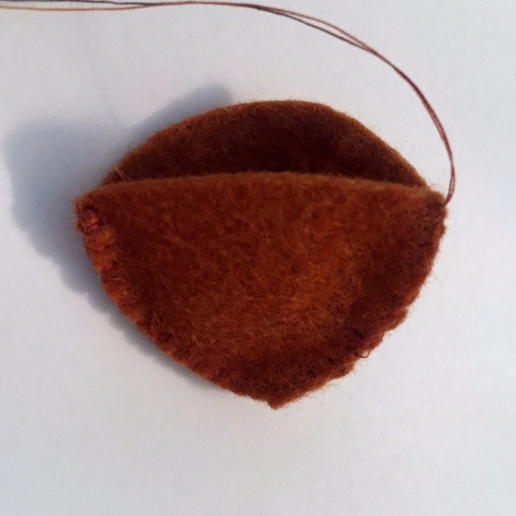 How to make a felt chestnut