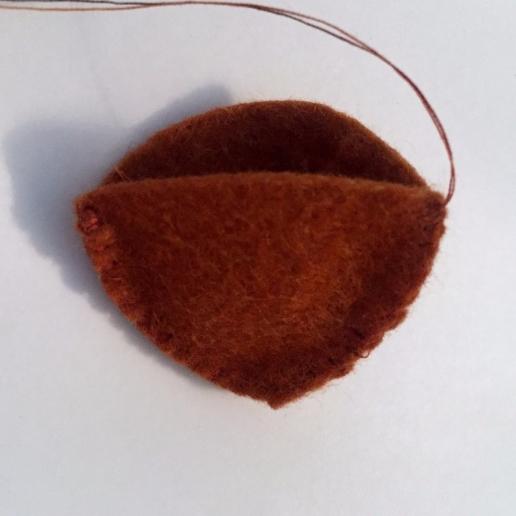How to make a felt chestnut