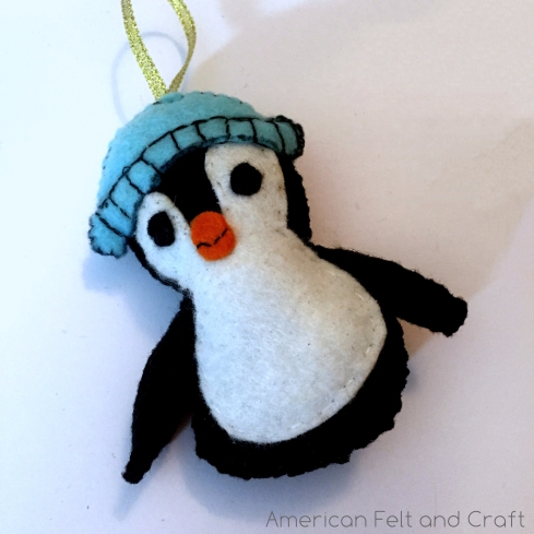 DIY Penguin felt ornament pattern