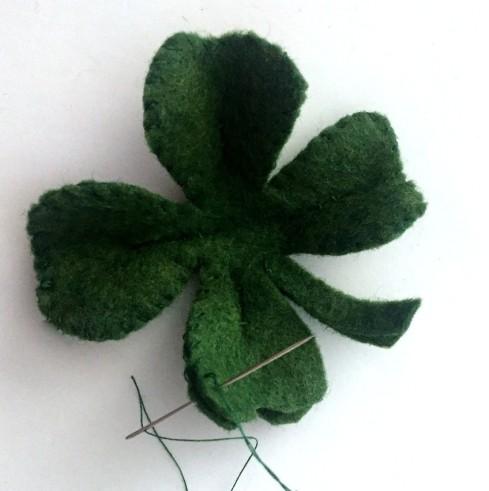 DIY felt four leaf clover