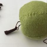Make a felt apple - felt food