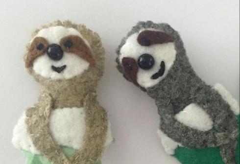 attach sloth to stocking- felt Christmas ornament