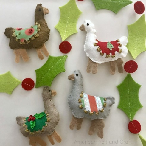 Sewing tutorial: Felt llama Christmas ornaments